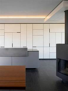 porte placard design portes placard au design non conventionnel pour dynamiser la d 233 coration