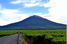 10 Tempat Wisata Di Kuningan Yang Wajib Dikunjungi