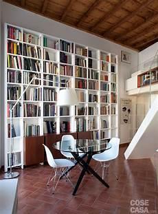 libreria verticale ikea un monolocale liato in altezza cose di casa