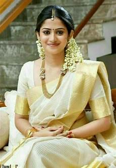 275 best traditional kerala style malayali kerala women kerala traditional saree