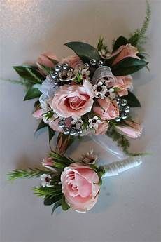 Corsage Ideas For Wedding
