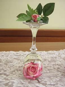 centro fiori fiori fiocchi e fantasia centrotavola con bicchieri e fiori