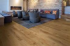 vinylboden klicksystem klick vinylboden robuster bodenbelag modernes design