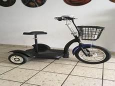 Elektro Scooter Mit Sitz Dreirad - dreirad elektroscooter mit sitz hinterradantrieb