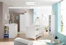 le babyzimmer babybett design mit deckenleuchten spots babyzimmer ideen