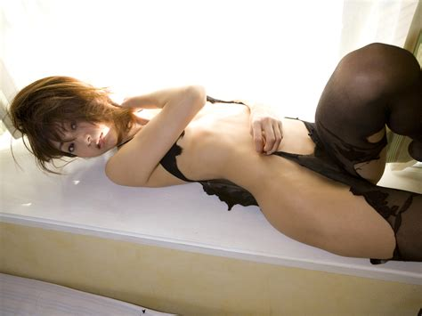Bettina Nude