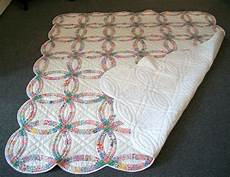 20th c pennsylvania double wedding ring quilt pastel colors for sale at 1stdibs