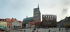 Datei Stralsund Alter Markt Panorama 01 Jpg