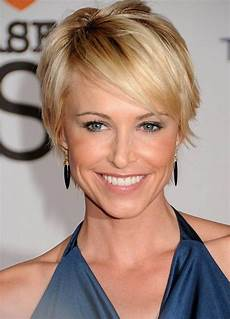 easy daily hairstyle for women a new chic short haircut