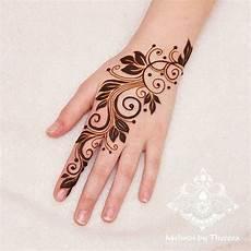 Paling Populer 10 Gambar Tangan Henna Mudah Gani Gambar