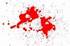 taches de sang sur tissu taches de sang d isolement sur le blanc photo stock