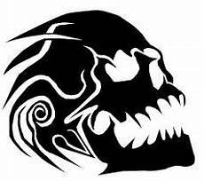 pin auf skull