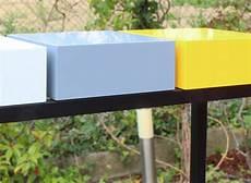 console de lit sur console design sur mesure et nouvelle couleur jaune soleil