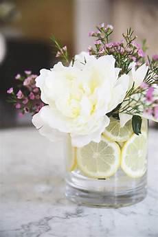 How To Arrange Wedding Flowers