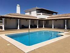 location villa au portugal avec piscine location maison algarve portugal avec piscine ventana