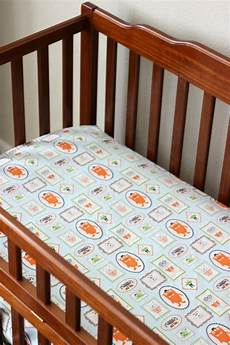 tutorial how to make fitted crib sheets sewing