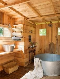 Bad Aus Holz Gestalten Ideen F 252 R Rustikale Badeinrichtung