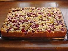 streuselkuchen mit kirschen kirsch streusel kuchen rezept mit bild wilana