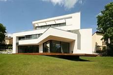 Moderne Luxusvilla Bauen In Skulpturaler Architektur