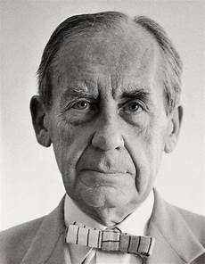 about walter gropius and the bauhaus movement