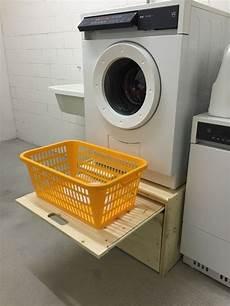 Waschmaschine Unterbau Selber Bauen - waschmaschinenpodest tumbler kistenmoebel ch wegmueller