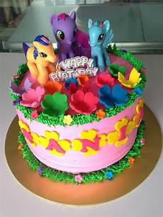 ninie cakes house my pony cake