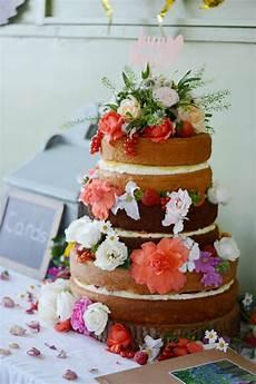 diy or disaster should you bake your own wedding cake