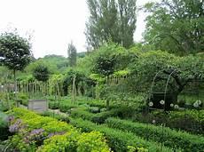 Kitchen Garden Farm by Brabourne Farm Kitchen Gardens