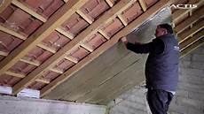 pose ecran sous toiture renovation comment isoler une sous toiture avec hybris