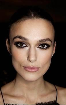 maquillage pour cheveux comment choisir le maquillage pour agrandir les yeux