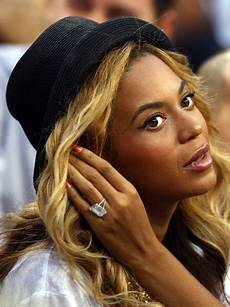 beyonc 233 s engagement ring now worth 10 million stylecaster