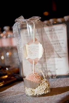 10 unique indian wedding gifting ideas that your guests