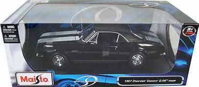 1967 Chevy Camaro Z28 Coupe  Black Maisto 1/18 Diecast