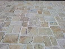 pavimenti in pietra di trani pietra sol anticata tranciata pietre raffaele cileo