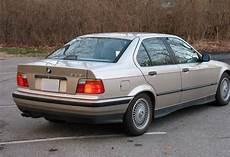 bmw e36 325i file bmw e36 325i 1993 rear jpg wikimedia commons
