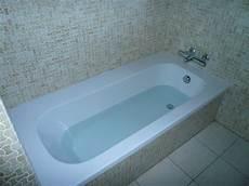 r 233 novation baignoire avec coque encastrable renovbain