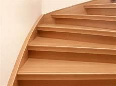 treppe renovieren laminat laminat oder vinyl auf alten treppen verlegen so gehen