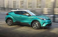 toyota c hr kaufen review 2018 toyota c hr is a steady ride missing a key