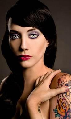 girl with black hair blue eyes blue eyed black haired girls 48 pics
