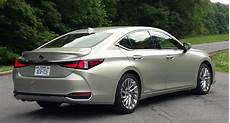 2019 lexus es the daily drive consumer guide 174