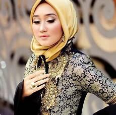 Inilah Model Jilbab Pesta Dian Pelangi Favorit Para