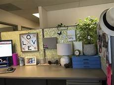 Decorating Ideas For Office Cubicle by This Is My Favorite Cubicle Look Organized And Bright