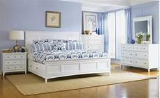 schlafzimmer weiße möbel schlafzimmer blau 50 blaue schlafbereiche die schlaf