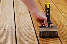 materiel pour terrasse bois huile naturelle pour terrasse bois exotiques meleze