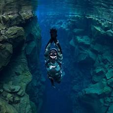 silfra freedive tour dive is iceland