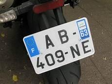 nouvelles plaques immatriculation une seule taille de plaque d immatriculation pour motos