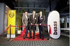 Brass Er 246 Ffnet Opel Autohaus In Frankfurt Auto