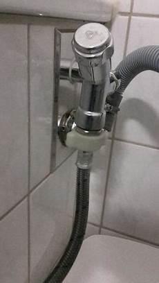 Waschmaschine In Neuer Wohnung Angeschlossen Zieht Kein