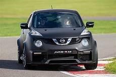 Nissan Juke 2 Nissan Juke R 2 0 Review 2015 Drive Motoring Research