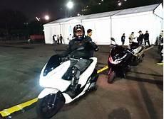Modifikasi Pcx Lokal 2018 by Gambar Modifikasi Honda Pcx Putih Sobotomotif